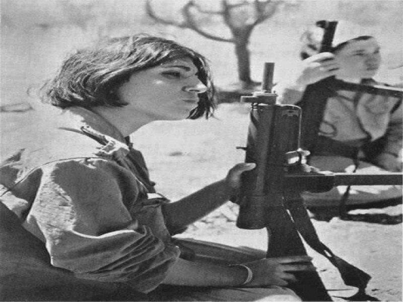 الموت يغيب المناضلة الأردنية الفلسطينية تيريز هلسة